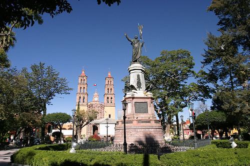 Estatua de Dolores, en Hidalgo