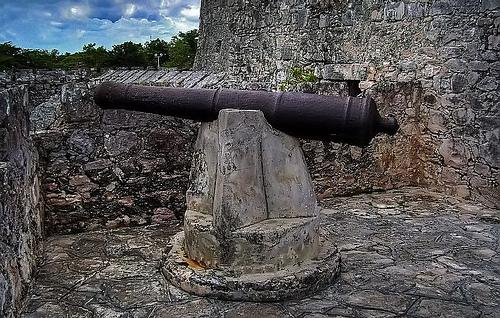 Algunos monumentos históricos en Quintana Roo