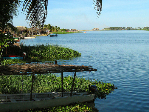 Barra de Coyuca, entre el mar y la laguna